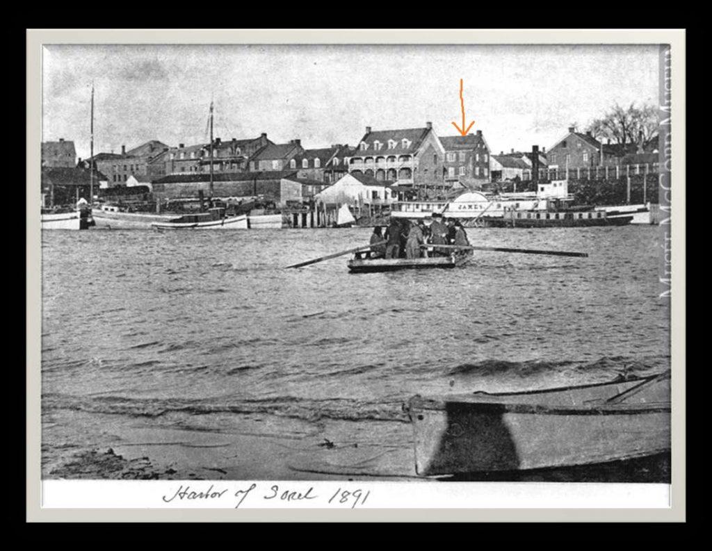 Archives du musée McCord Sorel en 1891 La flèche orange indique l'Hôtel du Canada angle des rues De la Reine et Georges