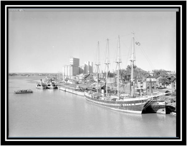 Port de Sorel et un voilier vers 1950