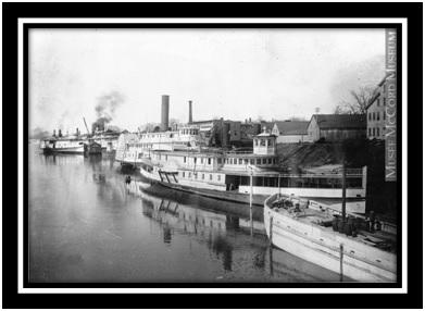 Port de Sorel en 1911 le bateau Régina  Collection Musée McCord