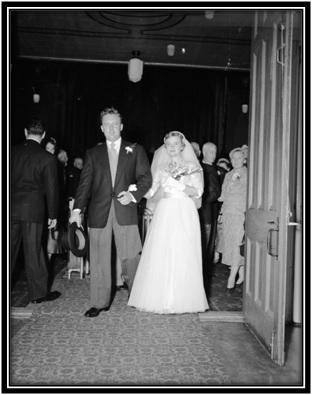 La sortie des nouveaux mariés de l'église Ste-Anne-de-Sorel