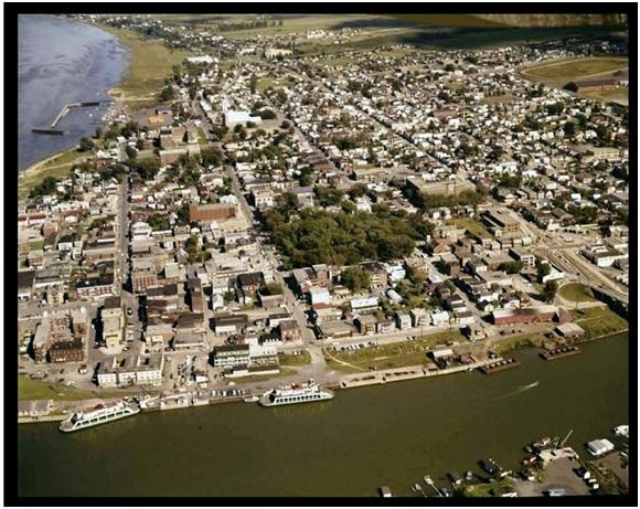 Remarquez les deux traversiers de Sorel-Berthier sur le  Richelieu à Sorel 1964  Archives Nationales du Québec.