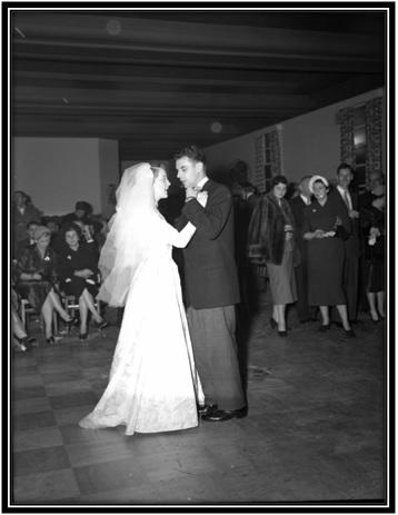 Les nouveaux mariés Alberte Simard et Jean Racine.