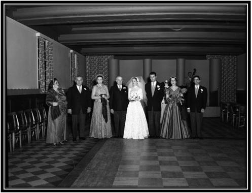 Claira Arsenault Simard mère, Wilfrid Racine père, Claire Boiron mère, Ludger Simard père, Alberte Simard mariée, Jean Racine marié, Yolande Simard sœur, Jean-Marie Breton beau-frère.