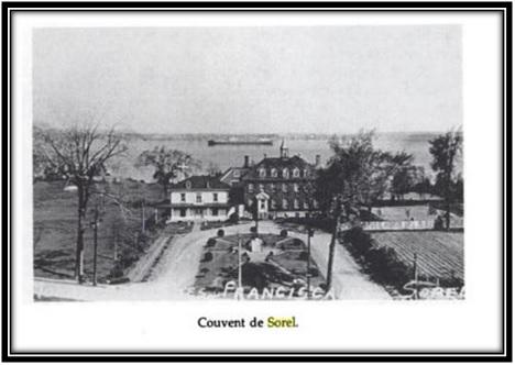 On voit sur cette photo à gauche la maison des Fosbrooke, le Monastère des Franciscains et à l'arrière le Collège Didace Pelletier 1947. Ces photos sont tirées du livre Les Franciscains au Canada 1890-1990- page 55